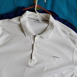 A bundle of XL mens shirt ( 3 shirts)